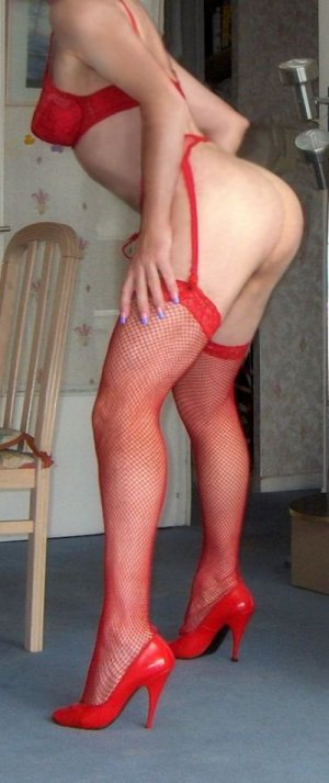 Thaniya high class escort in Laufenburg (Baden)